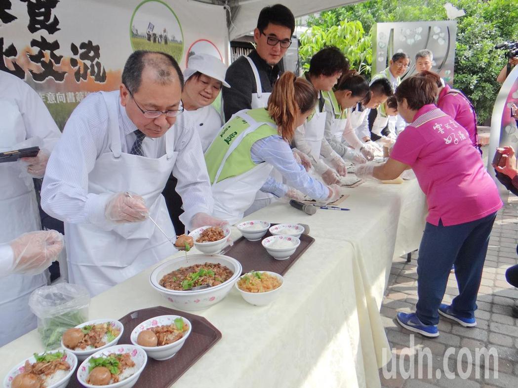 日本人用日本米做台灣魯肉飯,台灣人用台灣米做日本壽司,兩國米食大車拼,趣味十足。...