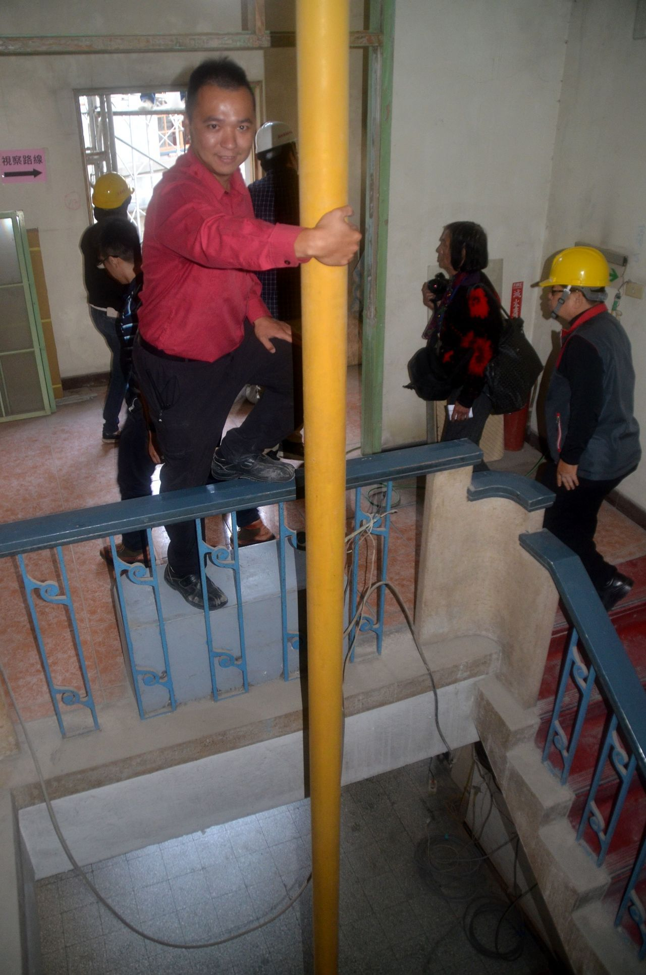 消防局第7救災救護大隊中正分隊駐地為市定古蹟原台南合同廳舍,裡頭保留4層樓高的滑...