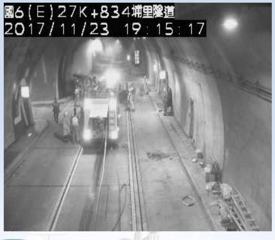 國道六號埔里隧道東向約27.5K處傳火燒車意外,警消目前處理中,請用路人改道。記...