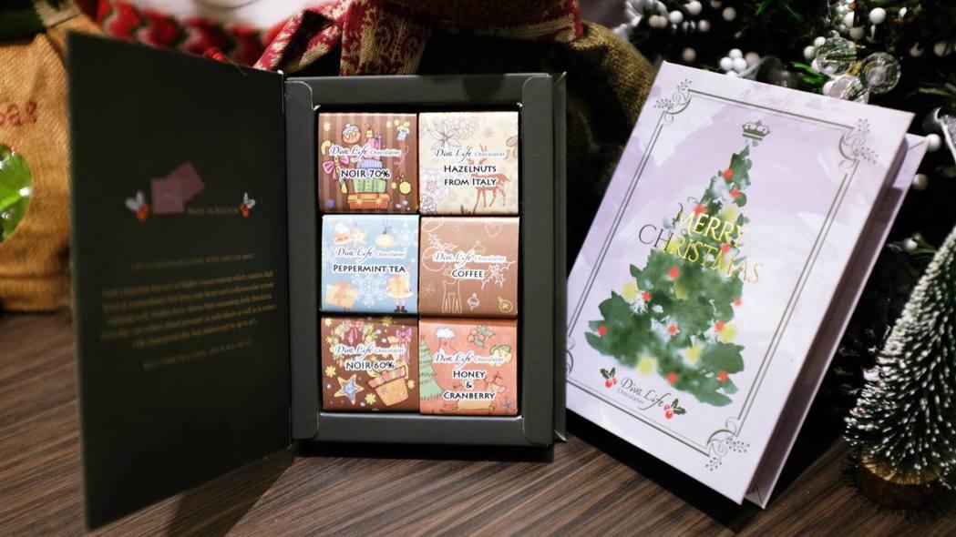 限量聖誕版巧書水彩版(右)、麋鹿版(左),12入300元。記者沈佩臻/攝影