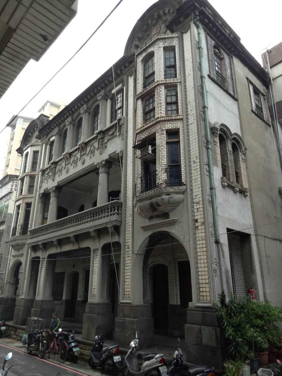 位於大稻埕的「陳天來故居」是1920年代的茶商河岸豪宅,民國95年指定市定古蹟,...