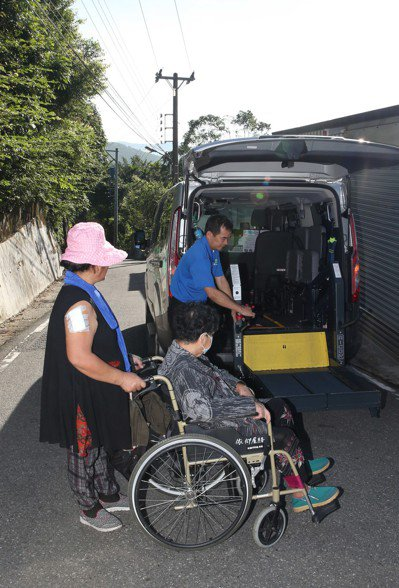 旅美醫師返台服務,直言指出「台灣不缺醫師,而是資源不均」。 本報資料照片