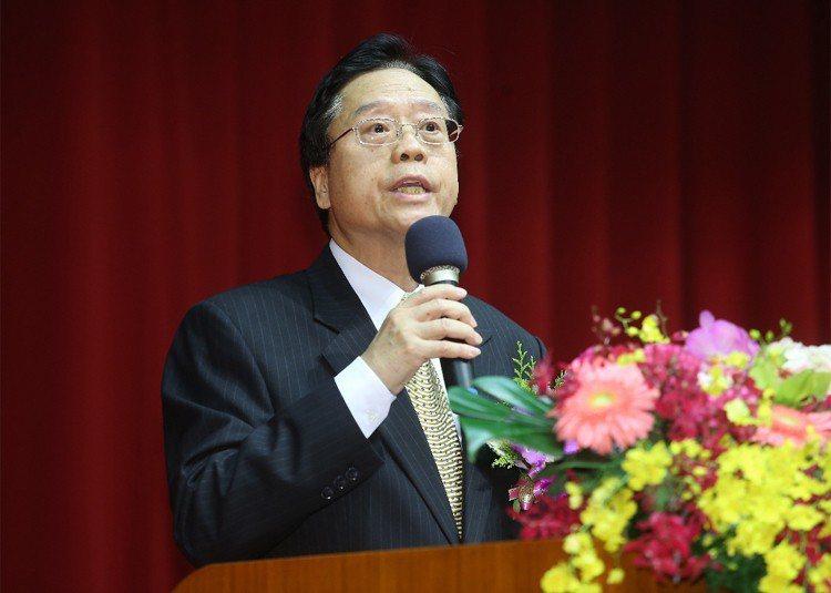 合作金庫新任董事長雷仲達完成交接典禮,正式走馬上任。 記者楊萬雲/攝影