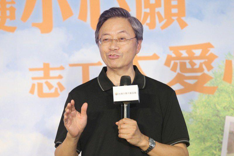 杜紫宸成立「敦請張善政先生出馬救台灣」臉書粉絲頁,但總按讚數仍未破5萬。 聯合報...