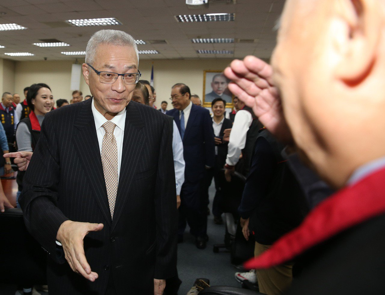國民黨主席吳敦義(左)取消泰國行程。 聯合報系資料照片/記者曾吉松攝影