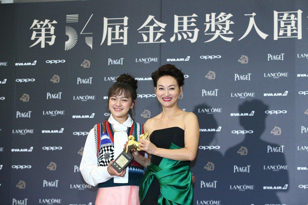 入圍金馬獎最佳女主角獎的演員惠英紅(右)、文淇出席金馬獎入圍酒會。記者王騰毅/攝