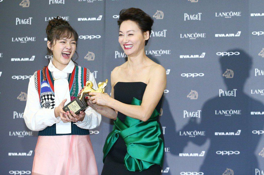 入圍金馬獎最佳女主角獎的演員惠英紅(右)、文淇出席金馬獎入圍酒會。記者王騰毅/攝...