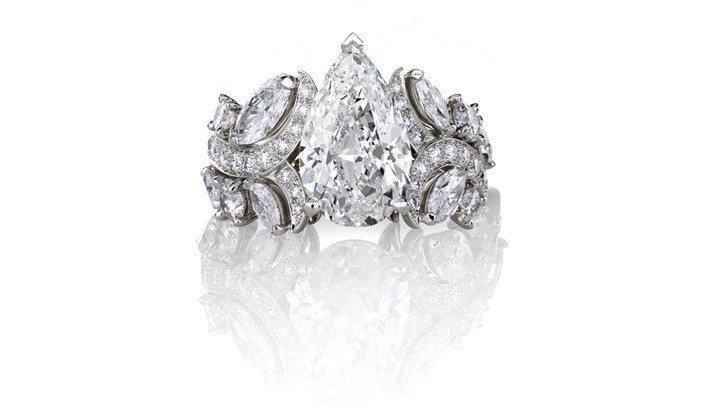 De Beers Adonis Rose單鑽戒指,184萬5,000元。圖/DE...