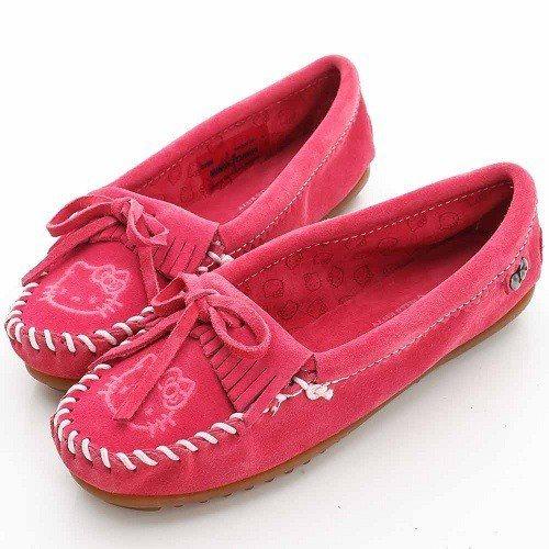 MINNETONKA KITTY聯名 粉紅色莫卡辛平底鞋即日起至12月8日只要1...