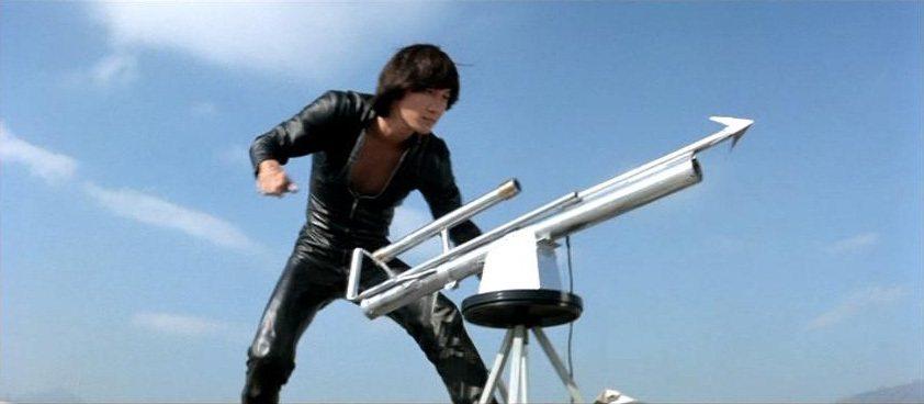 許冠傑的角色有如香港版007。圖/摘自HKMDB