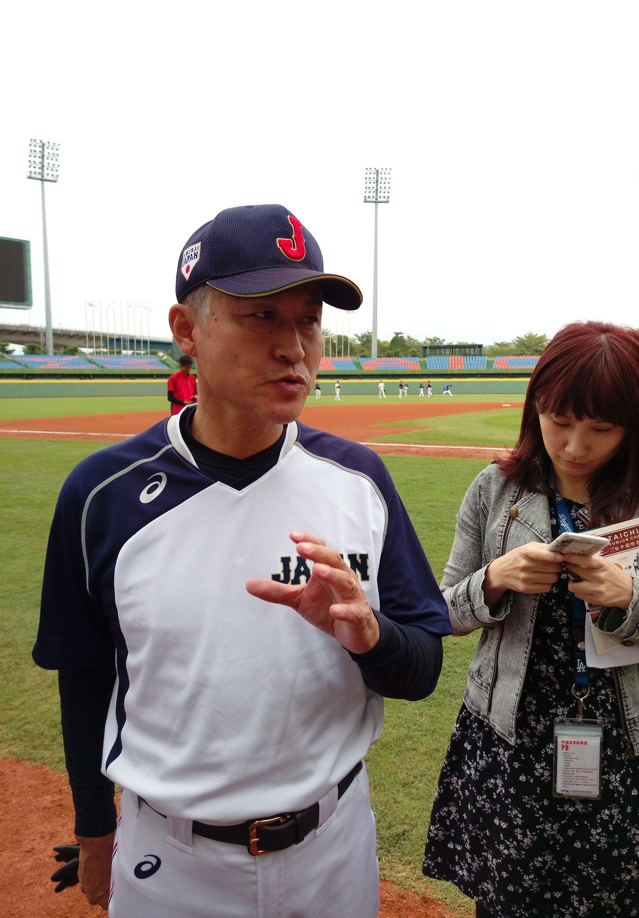 亞錦賽日本隊拿到冠軍,總教練石井章夫再率領社會人隊參加冬盟比賽。記者婁靖平/攝影