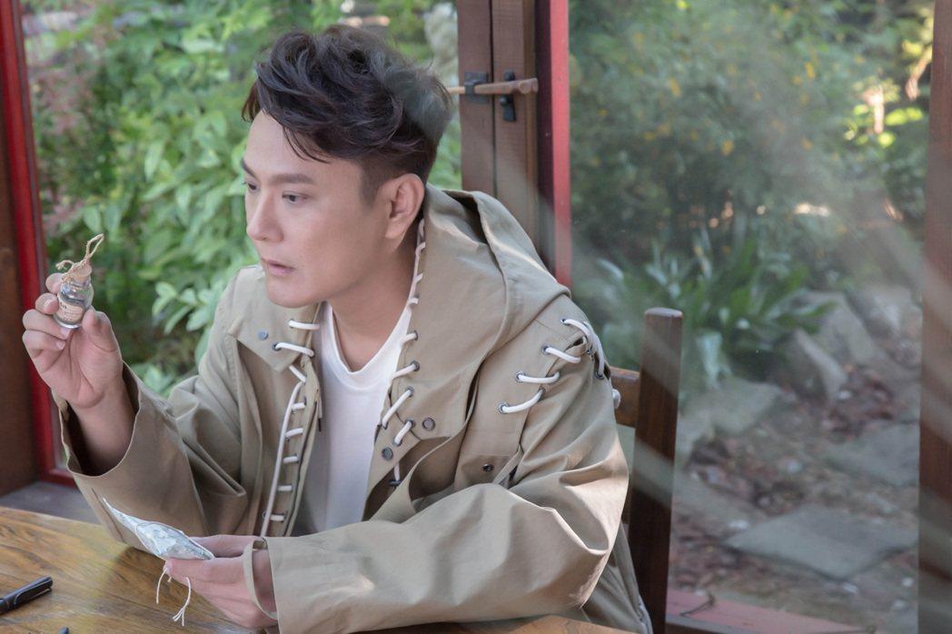 張信哲30日將推出新專輯「擁恆」。圖/潮水音樂提供