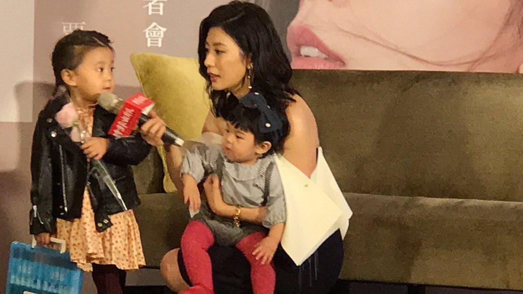 賈靜雯出新書,女兒咘咘、Bo妞是最大咖神秘嘉賓。記者陳慧貞/攝影