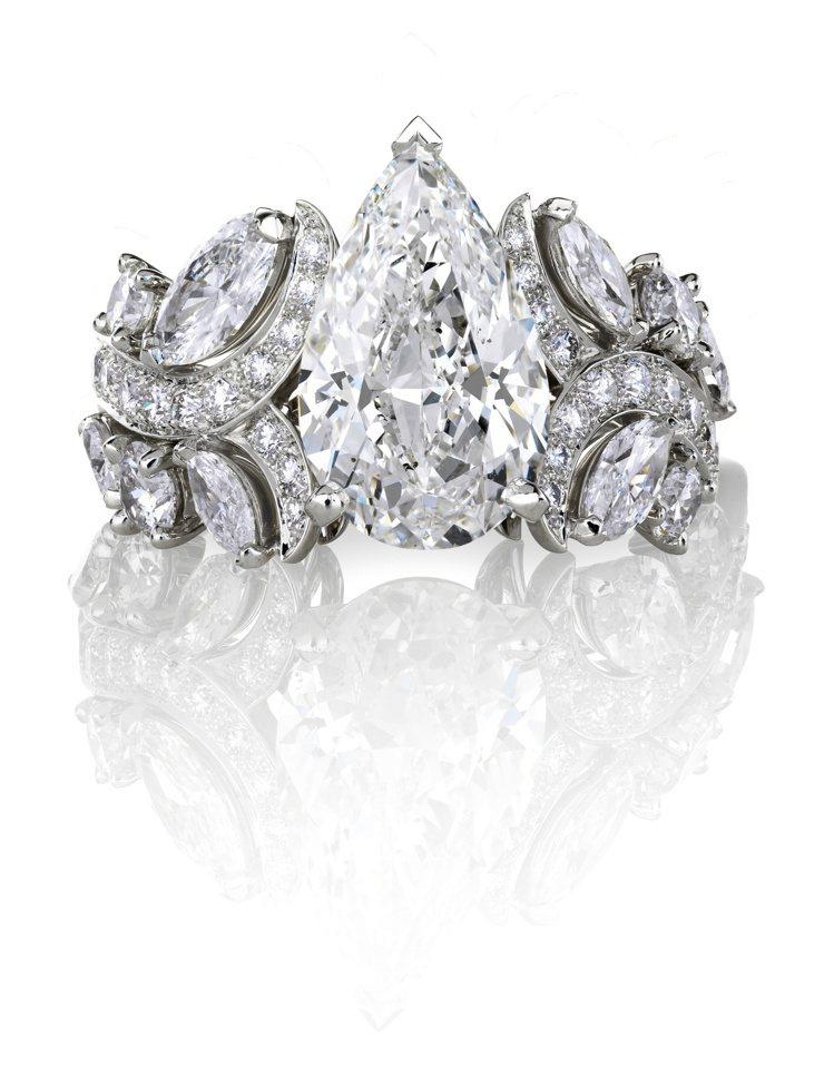 De Beers Adonis Rose 高級珠寶梨形鑽石戒指,價格店洽。圖/D...