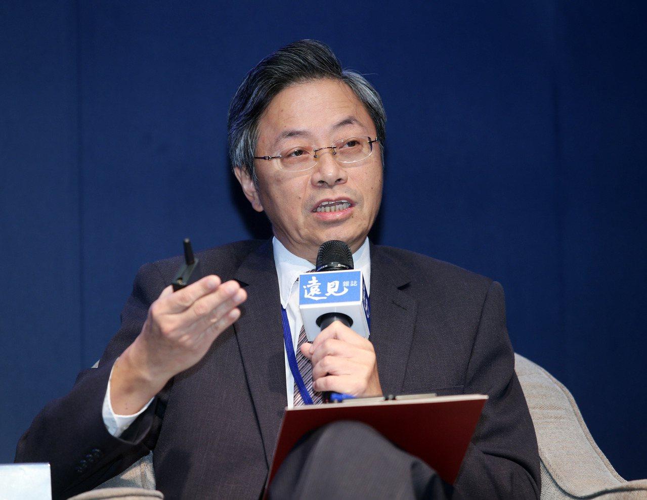 台灣大哥大基金會董事長張善政認為,政府應促使社福與醫療攜手合作,長照2.0才可能...
