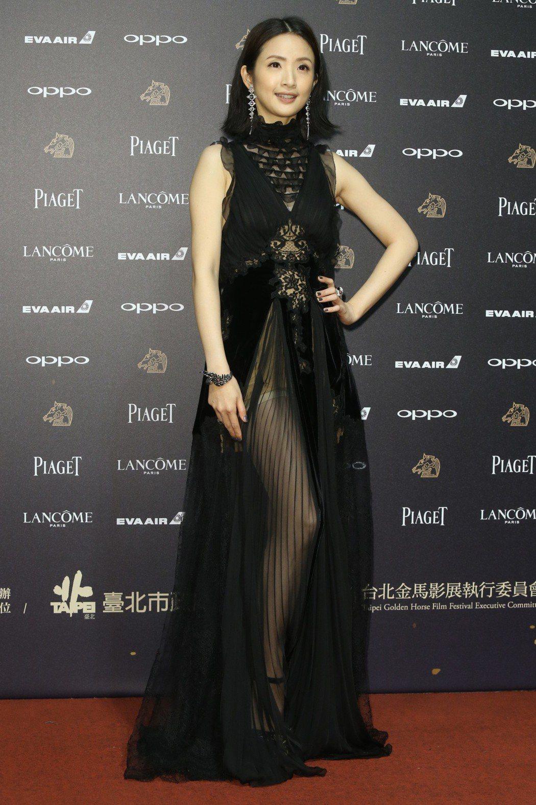 第五十四屆金馬獎頒獎嘉賓林依晨走紅毯。記者林俊良╱攝影