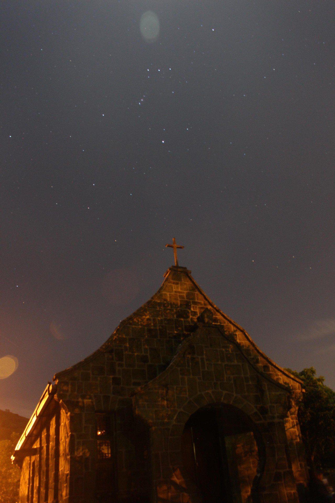 桃園復興的基國派老教堂創建於1964年,雖已不再對外開放,卻成為年輕人白天拍照、...