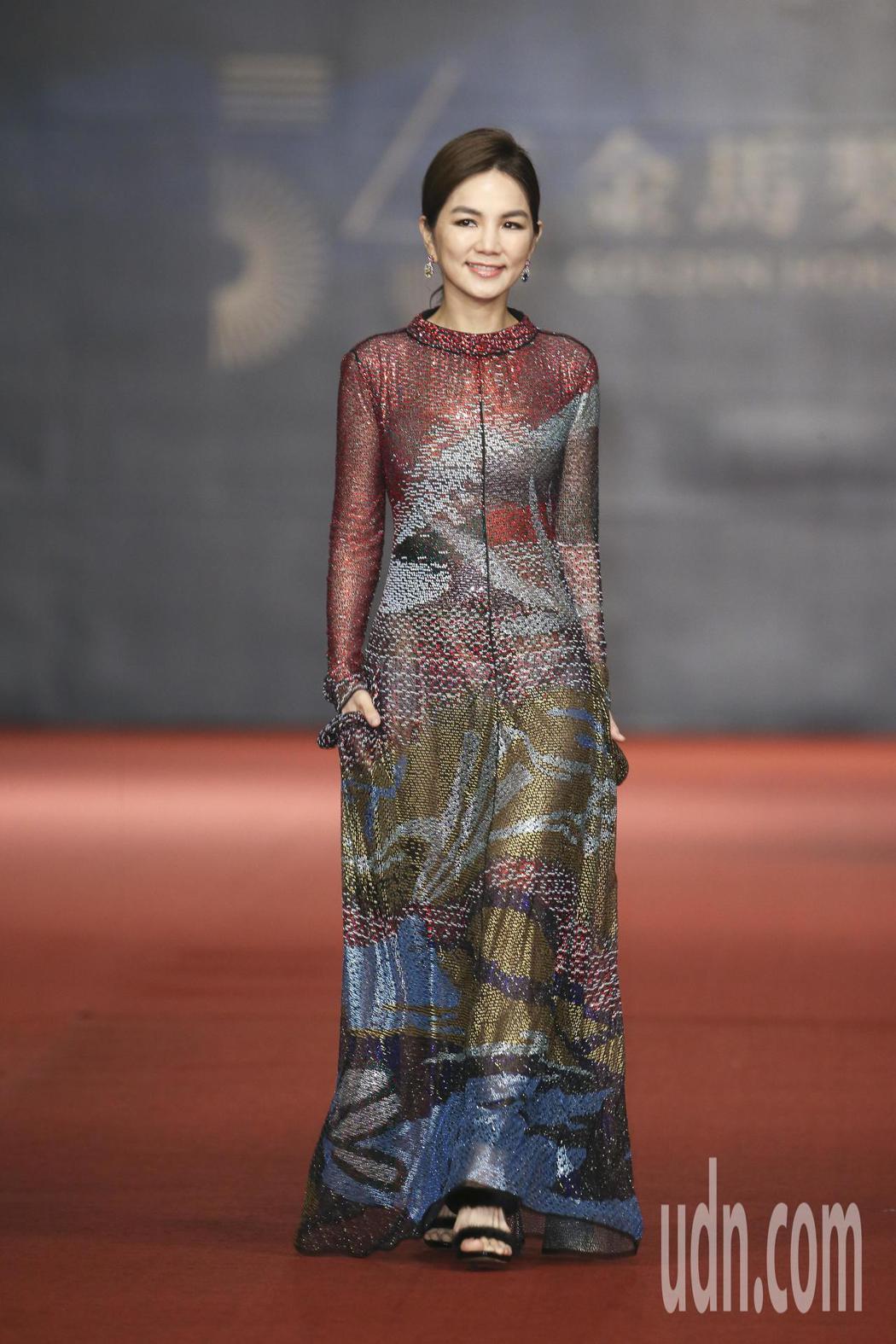 第五十四屆金馬獎頒獎嘉賓Ella 陳嘉樺走紅毯。記者陳立凱/攝影