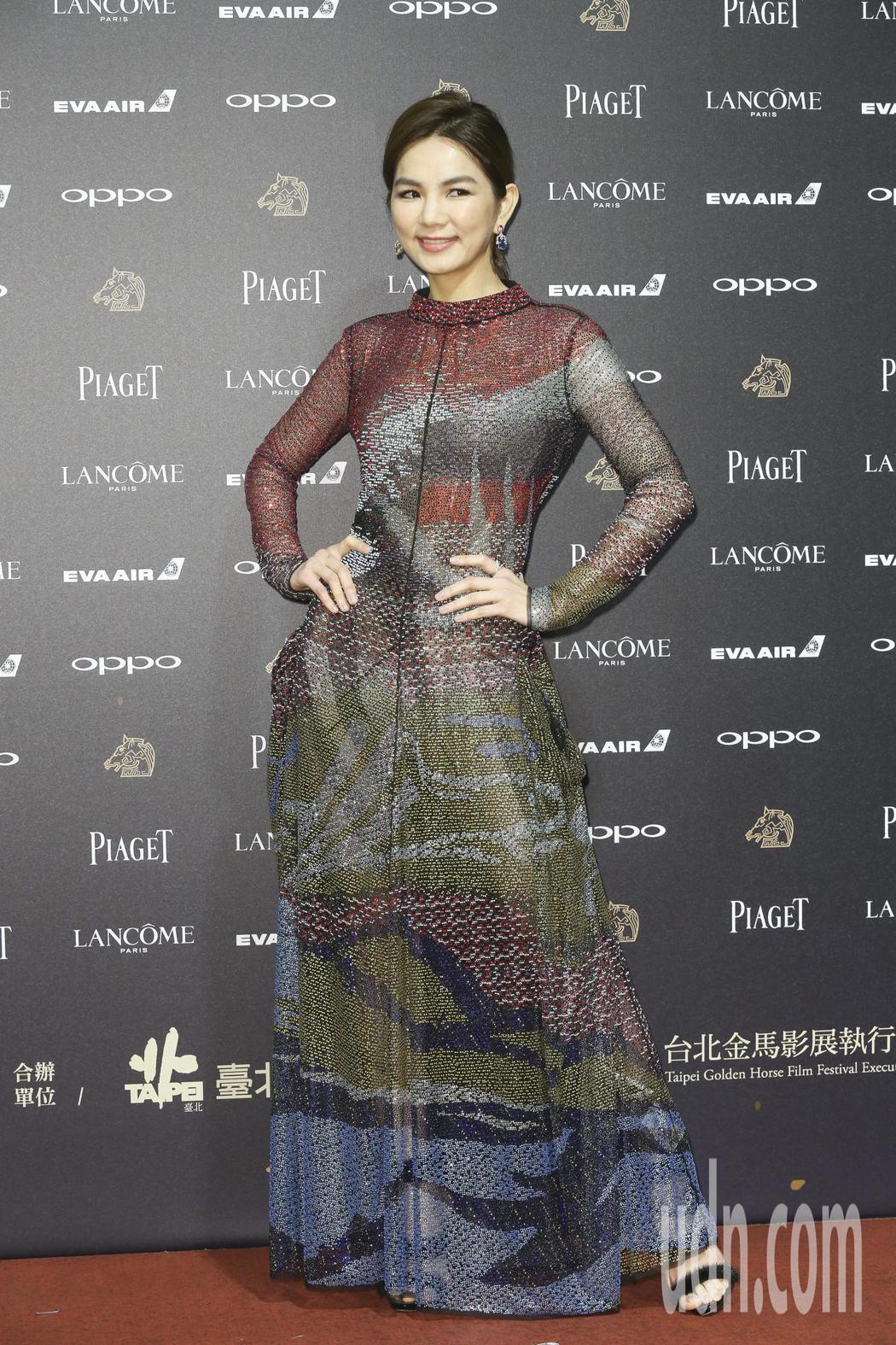 第五十四屆金馬獎頒獎嘉賓Ella 陳嘉樺走紅毯。記者林俊良/攝影