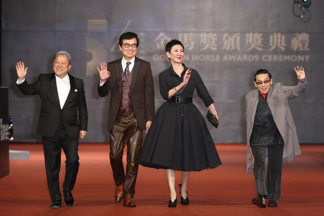 第五十四屆金馬獎頒獎嘉賓「新藝城小組」,曾志偉(左起)、黃百鳴、施南生、泰迪羅賓