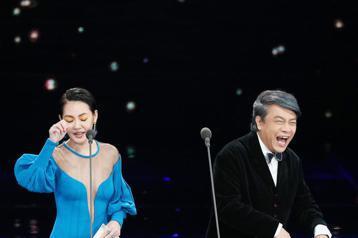 第五十四屆金馬獎頒獎嘉賓蔡康永、小S徐熙娣。