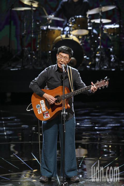 第五十四屆金馬獎,林生祥演唱入圍電影歌曲「有無」。