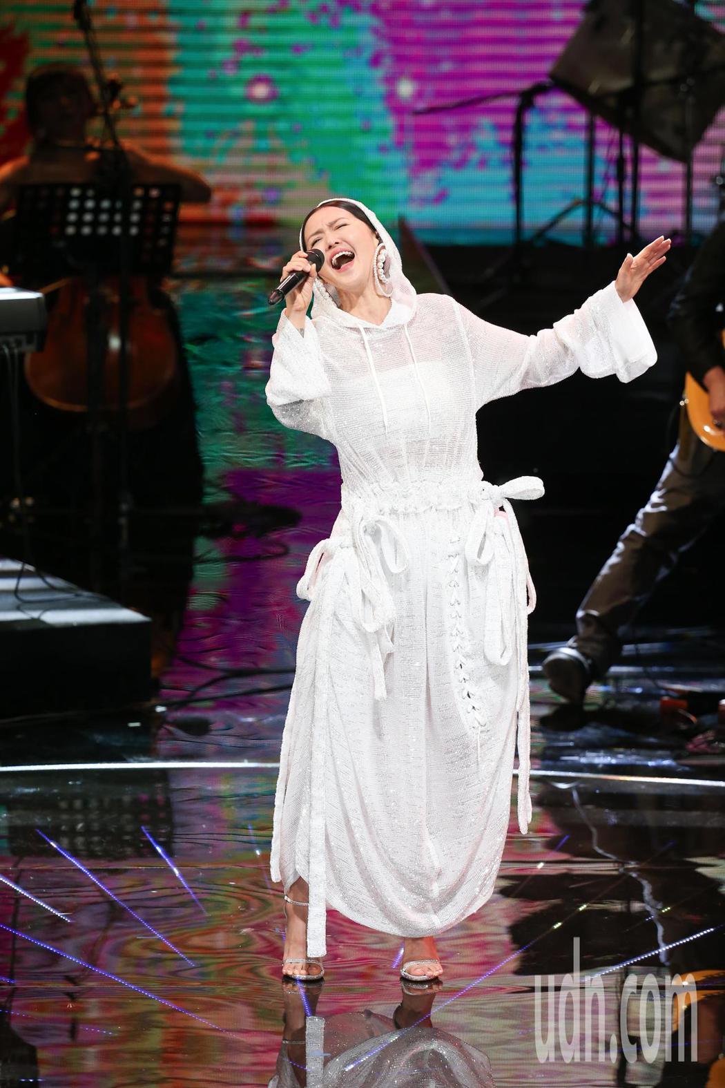 第五十四屆金馬獎,譚維維演唱入圍電影歌曲「陌上花開」。記者陳瑞源/攝影