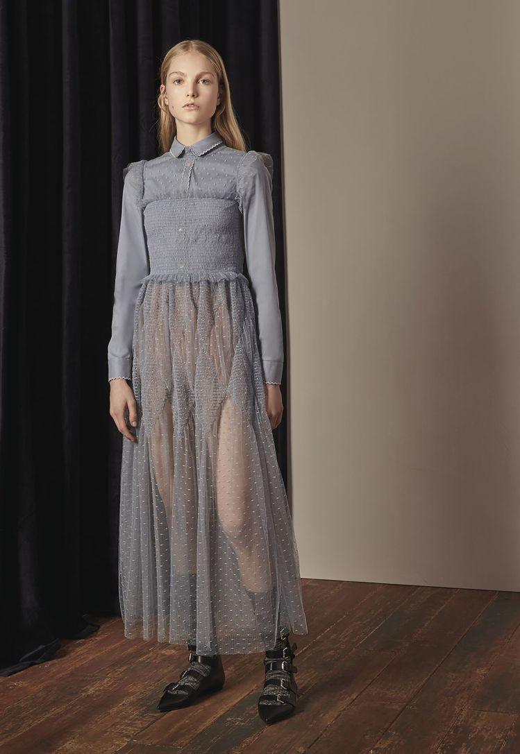 REDValentino藍灰色波點蕾絲洋裝類似款,售價52,800元。圖/RED...