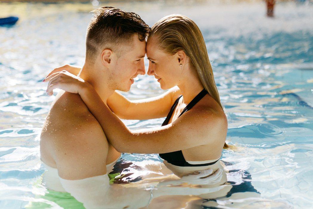 每到冬天泡湯季節,類似個案就明顯增加,不少人將溫泉個人池、湯屋當成汽車旅館,雖然...