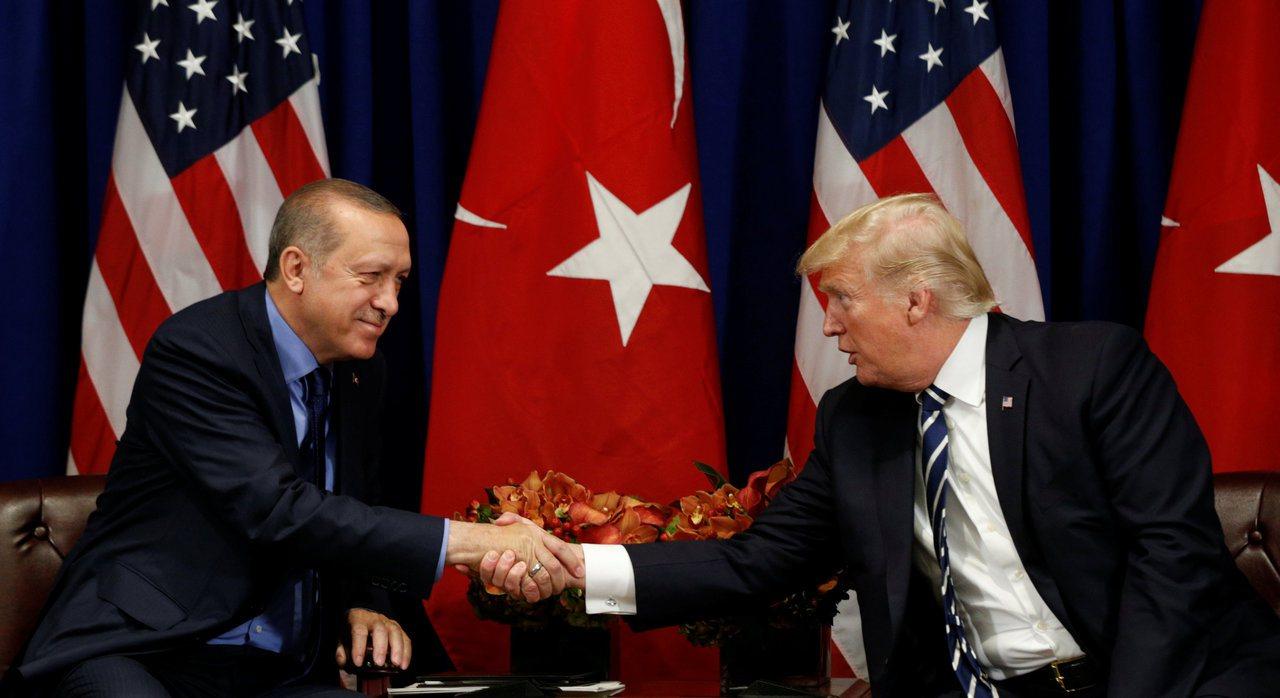 承諾土國,川普斷敘境庫德族軍援。 美聯社