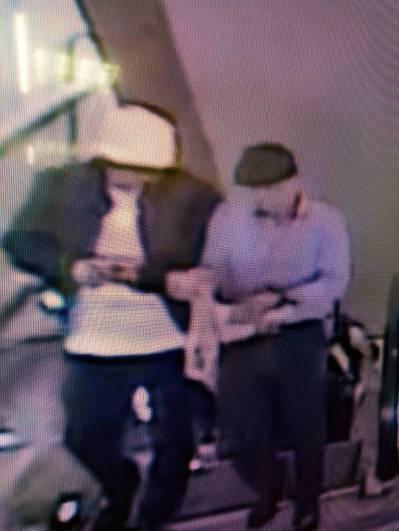 警方偵辦世貿珠寶竊案,礙於部分監視器畫質太差,難以辨認竊賊長相。 記者李奕昕/翻...