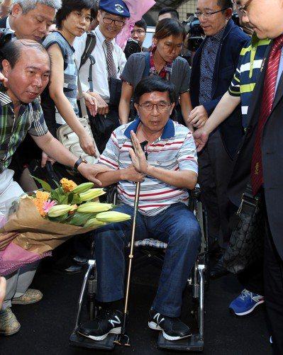 台北市長柯文哲受訪脫口而出「阿扁一開始是裝(病)的」,成為熱議話題;圖為前總統陳...