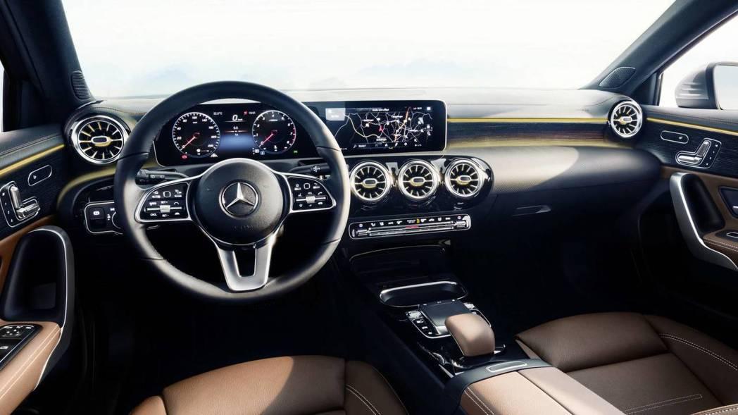 近幾年M.Benz對於車輛座艙設計十分講究,同時也追加許多高科技配備。 圖片來源:M.Benz