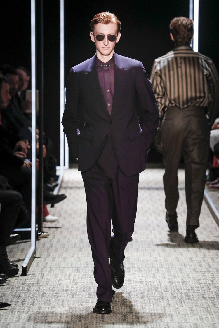Cerruti 1881的秋冬紫羅蘭色羊毛成套西裝。圖/Cerruti 1881...