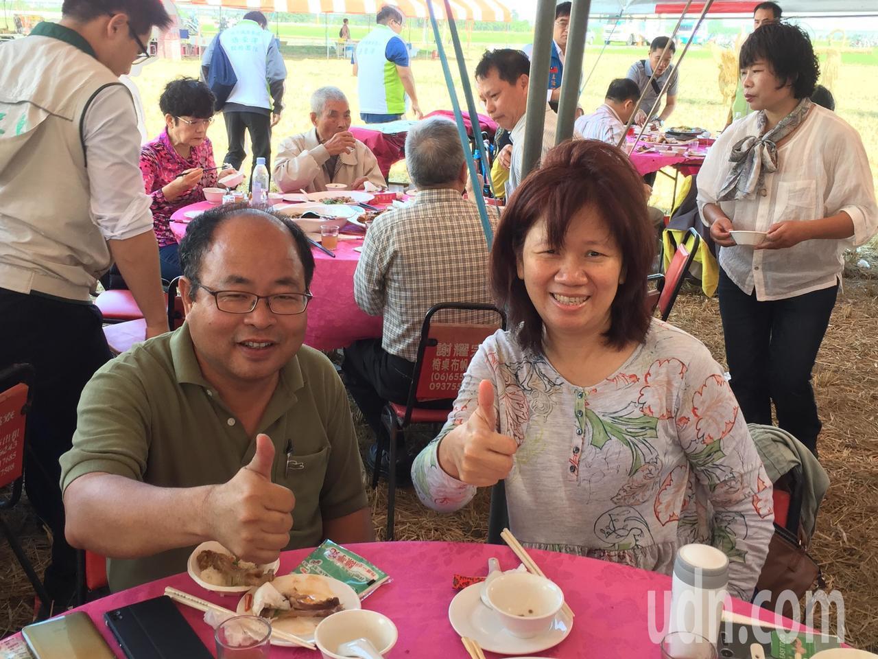台南16號有台南越光,研發的有台大農藝學系主任林彥蓉(右)、台南農改場嘉義分場主...