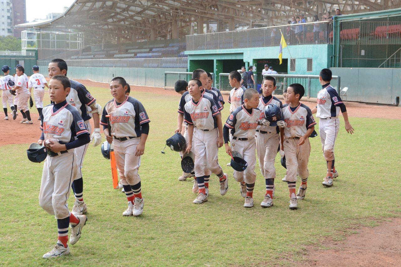 日本東京中野少棒首度參加徐生明盃國際少棒錦標賽,初賽戰績一勝兩敗挺進16強。記者...