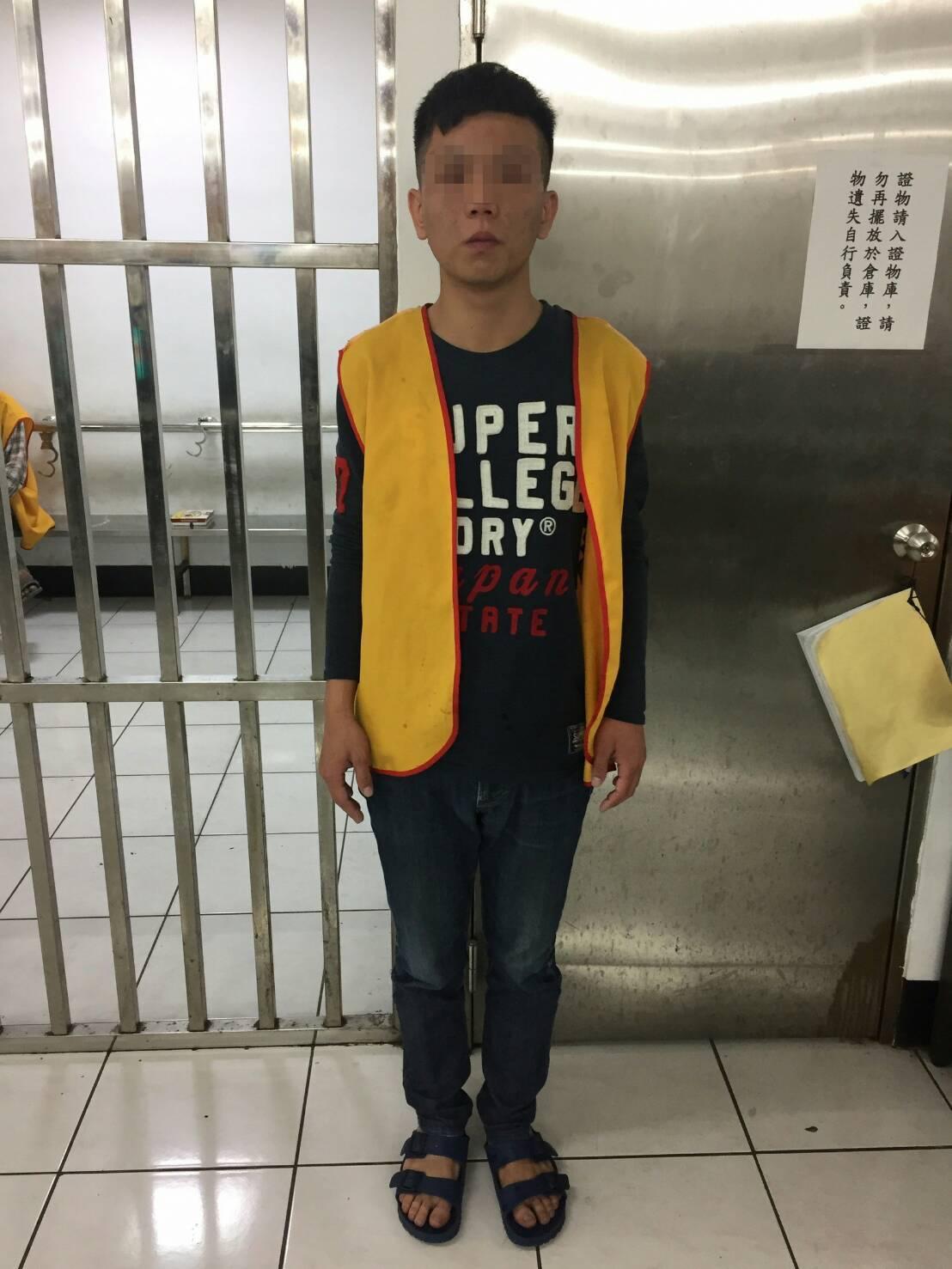 楊男被依妨害公務罪送辦。記者林伯驊/翻攝