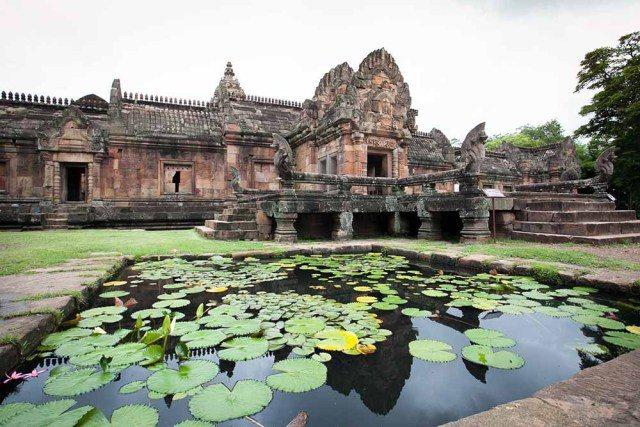 汶里藍府菩沙欣帕儂藍寺。圖/泰國觀光局提供