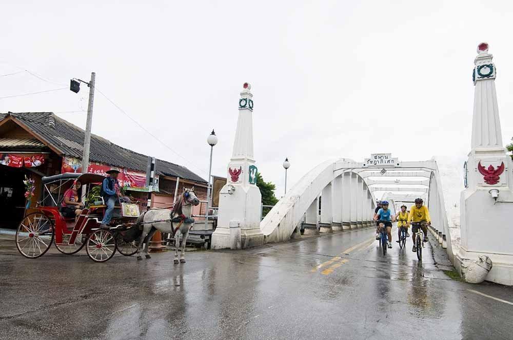 南邦府拉薩達碧歇橋號稱是泰國最長的一座橋。圖/泰國觀光局提供