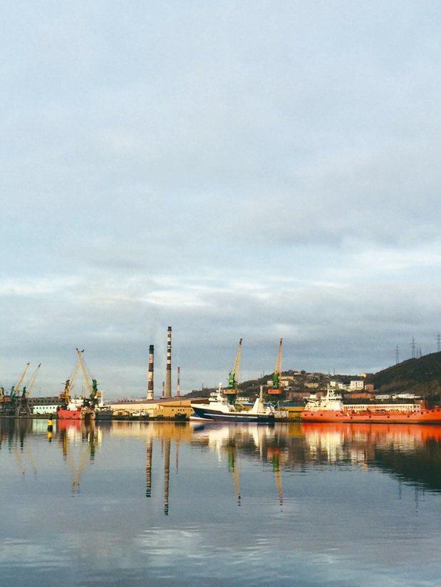 北極圈最大城市莫曼斯克的夕陽非常美麗。 記者錢欽青/攝影