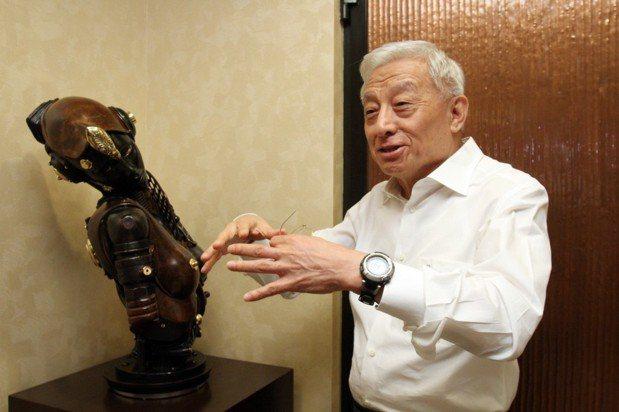 1月5日出刊的主題是聯電榮譽董事長曹興誠談收藏。 報系資料照