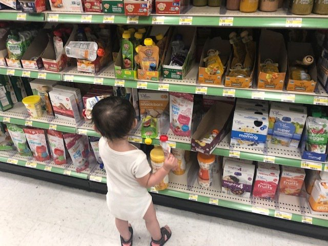 中國民眾海淘最夯的的進口奶粉、嬰兒尿布及尿褲等商品,中國政府宣布關稅降至零,但多...