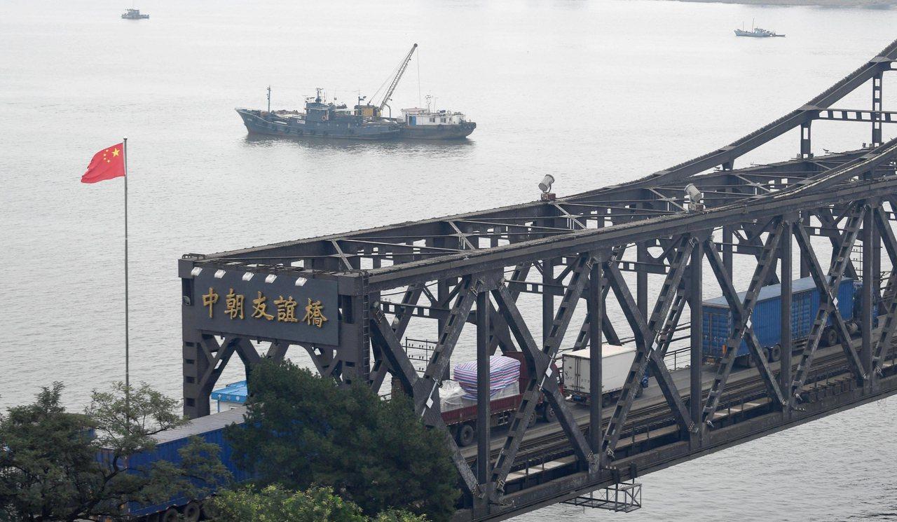 中國北韓關係漸凍,友誼橋關閉,解放軍在兩國邊界演習。