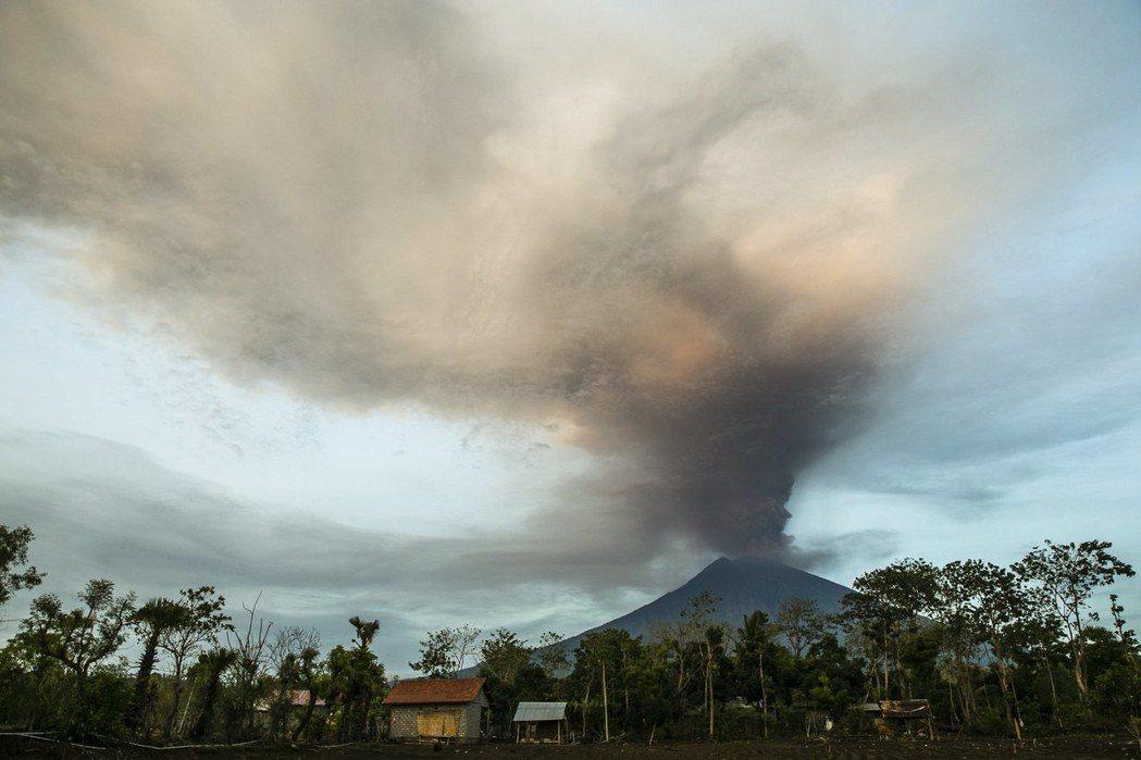 印尼峇里島阿貢火山。歐新社