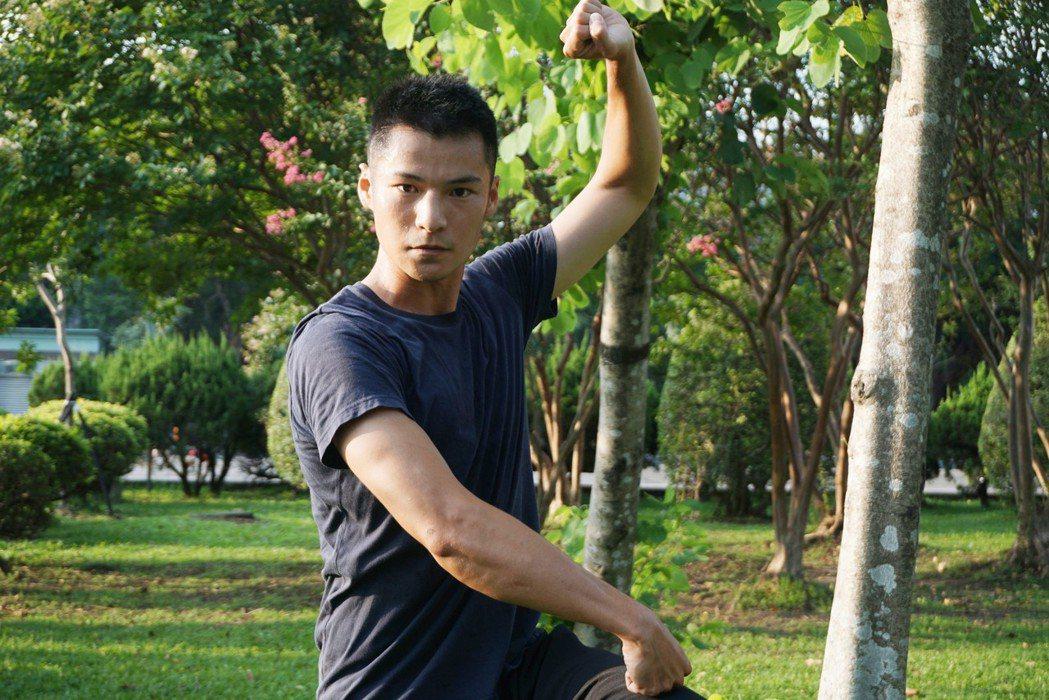 新生代演員呂金象(圖)出身海軍儀隊,被媒體封為「國軍金城武」,但呂金象自己並不想