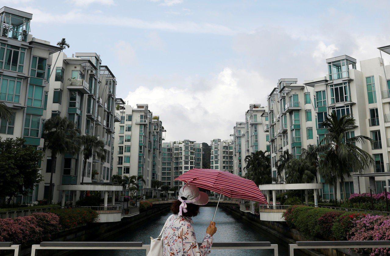 """新加坡并没有明显住宅短缺的问题,不断兴建住宅区的用意,是为了达到政府擘划的""""七百..."""