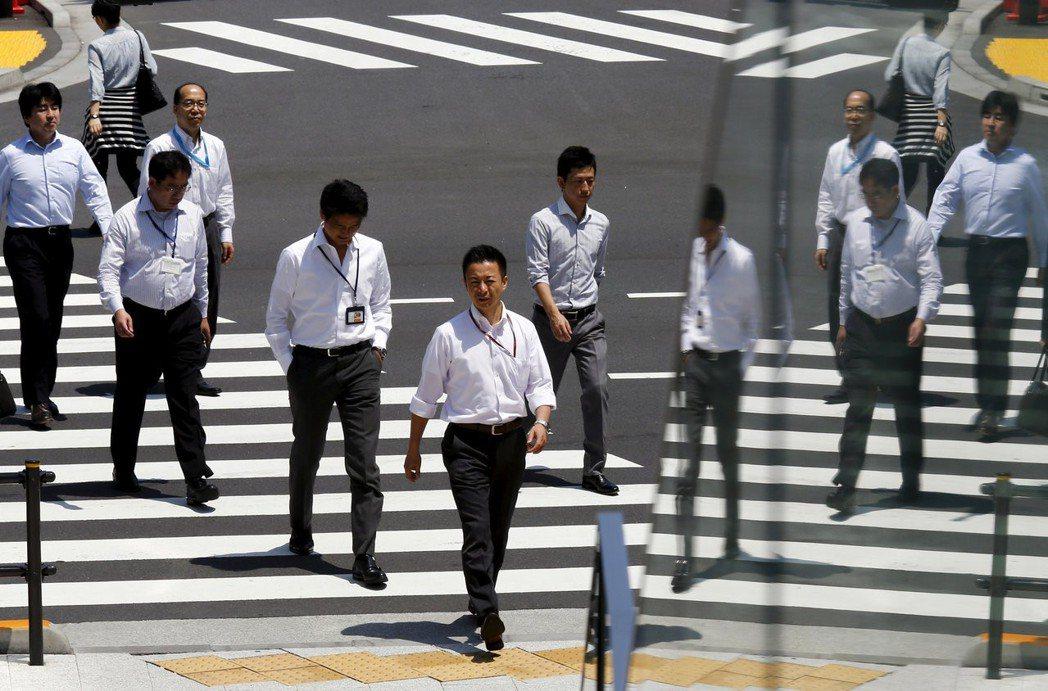 即便缺工已如燃眉之急,日本政府仍長年對民眾宣稱日本「沒有藍領移工」。 圖/路透社