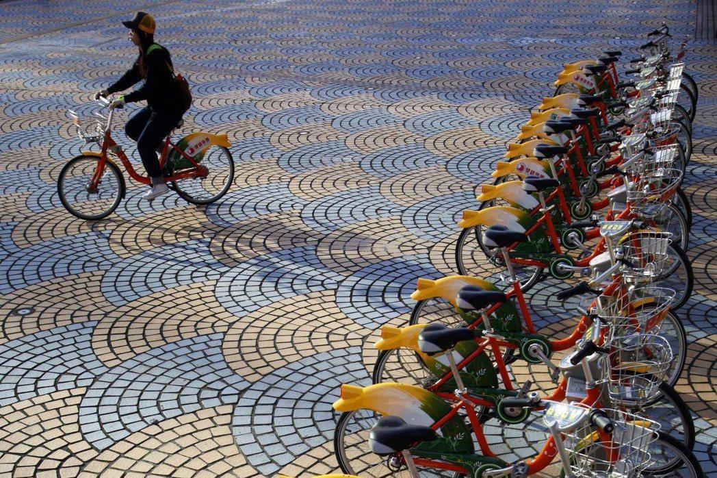 台北市建置了通勤用的自行車道系統。 圖/路透社
