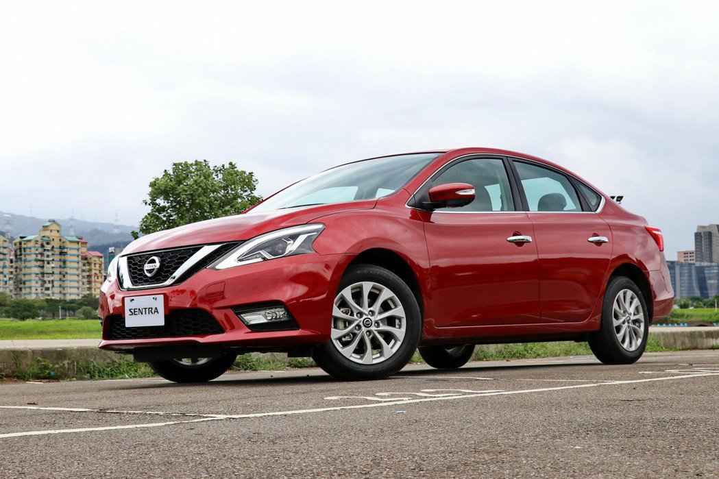 Nissan Sentra就乘坐感受而言,是一台稱職的家庭房車。 記者陳威任/攝影