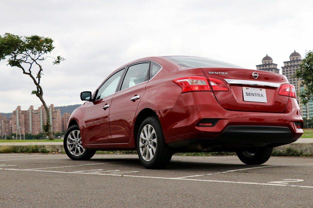 Nissan Sentra在小改款後外型更加年輕化。 記者陳威任/攝影